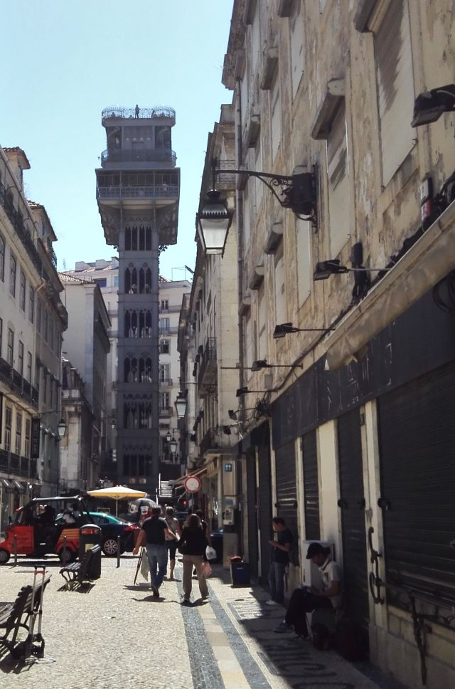A 32 méter magas lift Lisszabonban