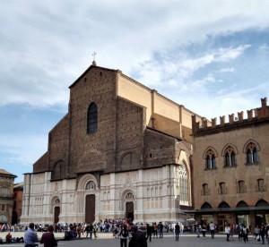 Bologna látnivalói, a bazilika