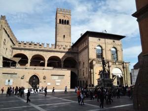 Bologna, Piazza Maggiore, a főtér
