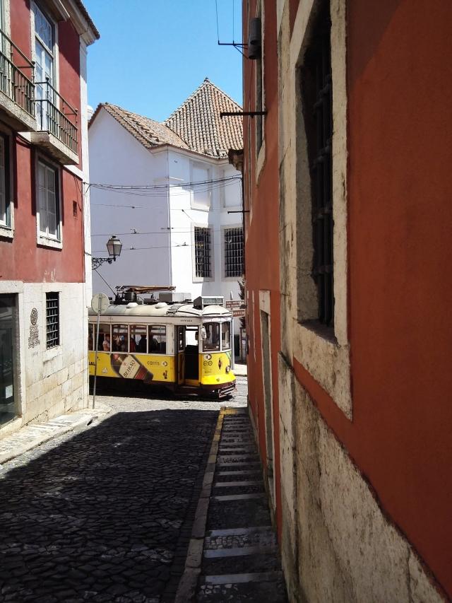 Lisszabon egyik leghíresebb nevezetessége: a 28-as villamos