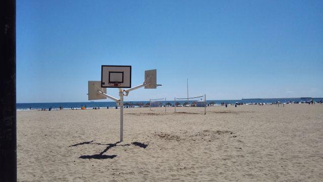 Strandkosár a valenciai tengerparton