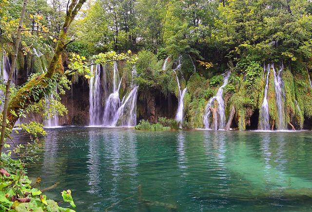 Látványos Plitvicei vízesés