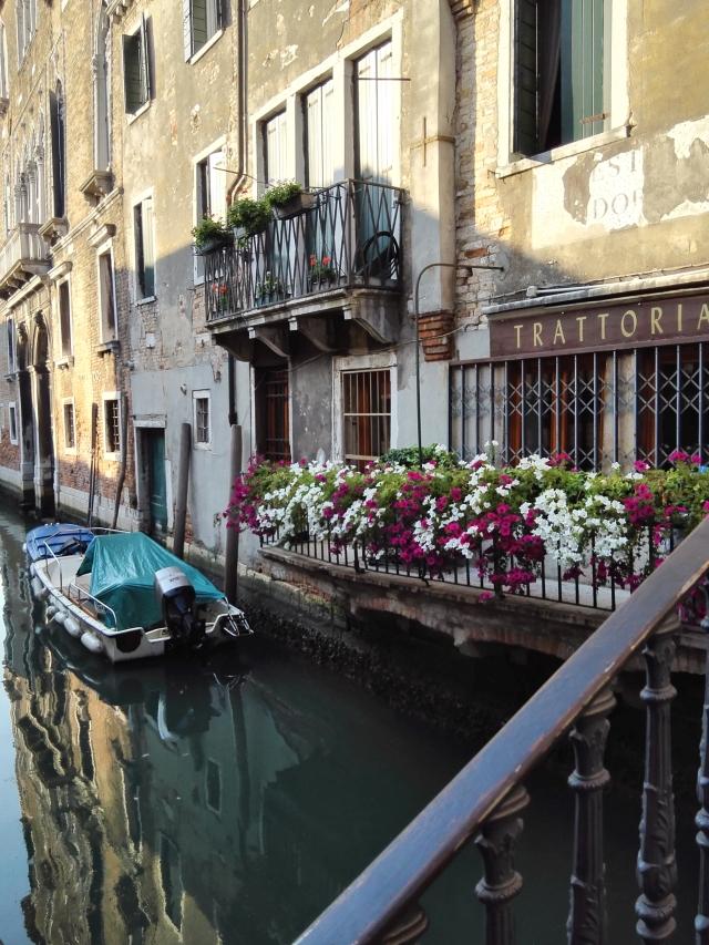 Csendélet Velencében a csatornán