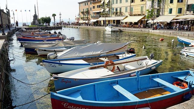 Lazise, a Garda-tó dél-keleti részén