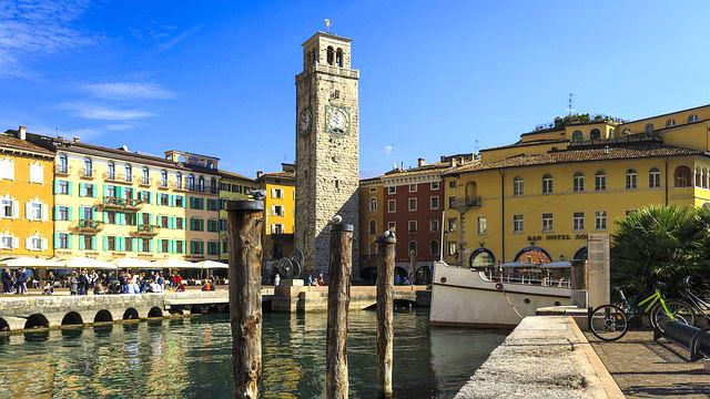Riva del Garda az óratoronnyal