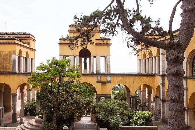 A Vittoriale degli Italiani villa