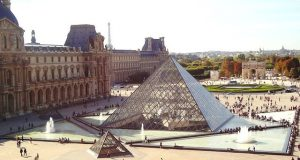 A párizsi Louvre múzeum