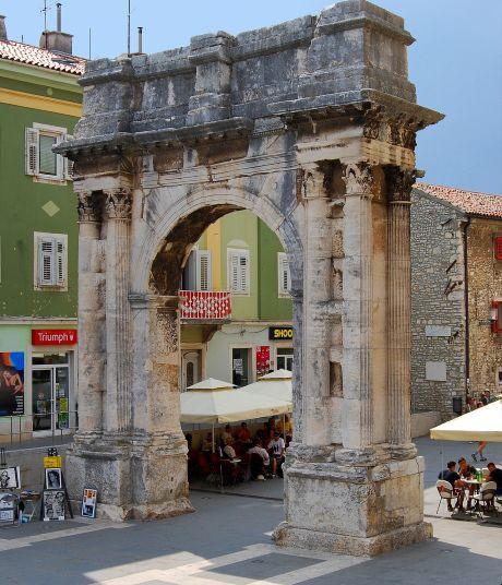 A Sergius diadalív az óvárosban