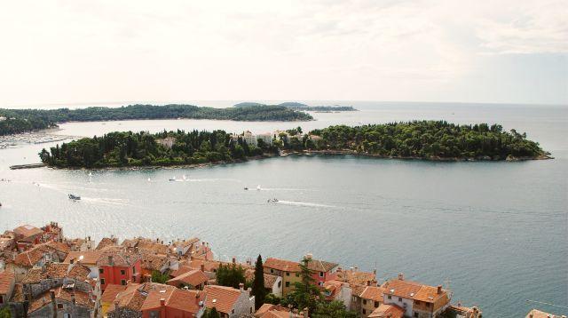 Katarina sziget szemben Rovinj óvárosával