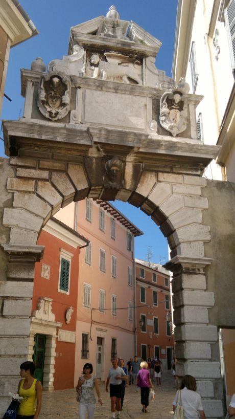 Rovinj bejárata, a Szent Kereszt kapu