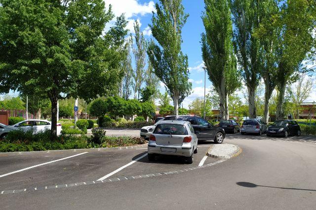 Szabadság utcai parkoló