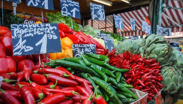 Naschmarkt színes piaca