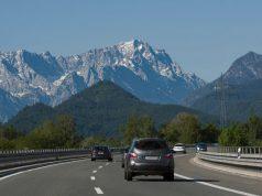 Osztrák autópálya az Alpokban